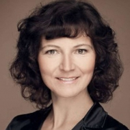 Nicole Loeser